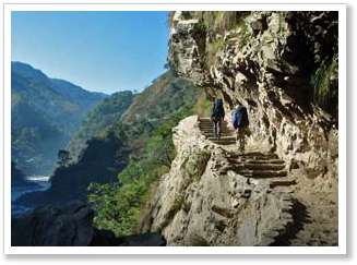 short-nepal-tours-stairs-ghorepani